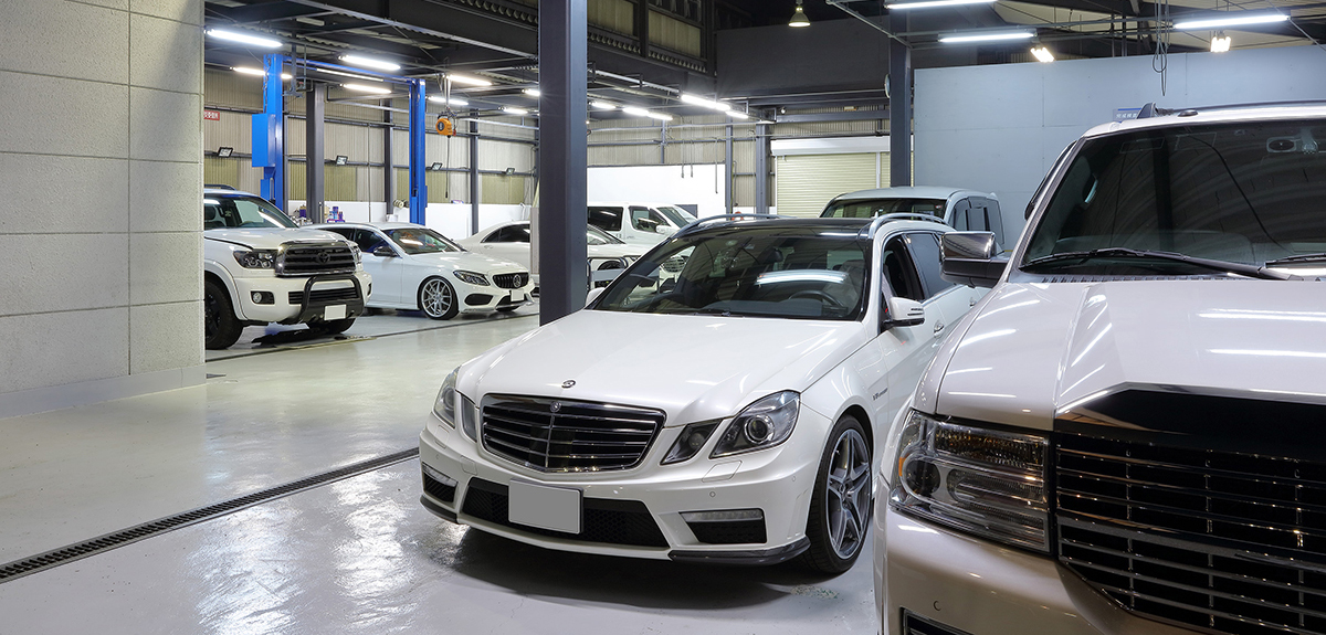 外国車ディーラーで磨いた信頼の技術と蓄積された経験 充実の設備でお客様のニーズにお応えします